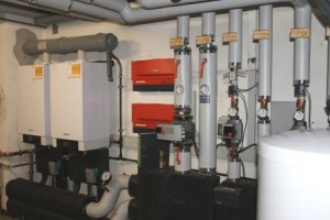 Erdgas-Brennwert-Kessel-Autohaus-Iser